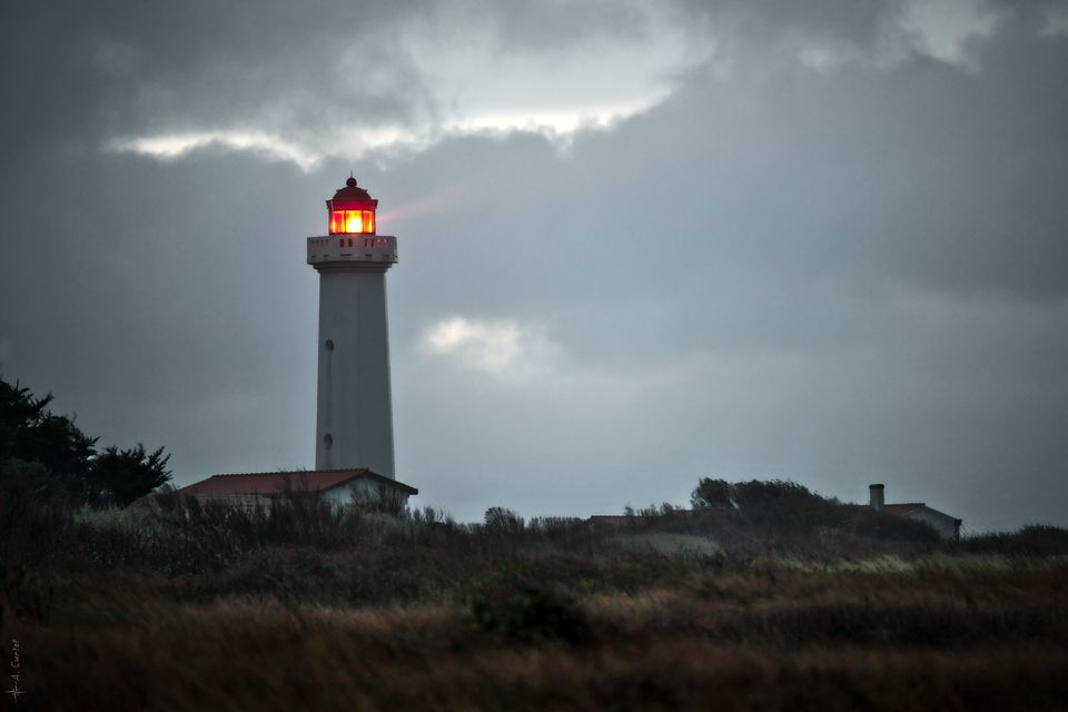 IMG 1053 Les Corbeaux lighthouse fb